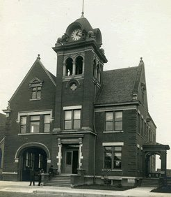 Old Time Photo of Antigo City Hall